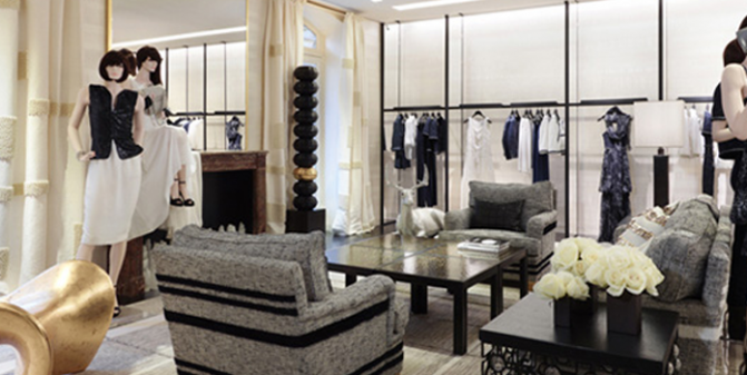 APSU Appointed to run OOH Service Desk for Major Luxury Fashion Retailer
